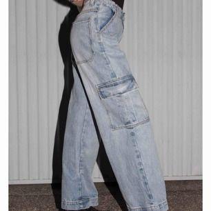 Ett par så sjukt snygga jeans från brandy, lite för korta för mig som är 174 ungefär. Passar till allt, kan sänka priset vid snabb affär och om många e intresserade får ni buda ☺️☺️