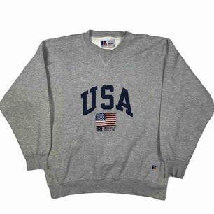 Säljer denna Vintage Russel Athletic Sweater, Storlek XL och I väldigt bra skick