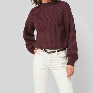 Jätte skön stickad tröja med ballong armar. Använd 2 gånger. Köpare står för frakt.