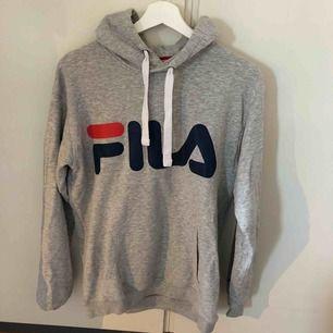 Denna hoodie är killmodell då ja gillar lite oversize. Har vanligtvis xs