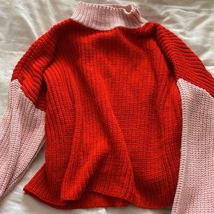 Säljer denhär fina tröjan ifrån glamorous i storlek xs (frakt 79) pris diskuteras!🥰