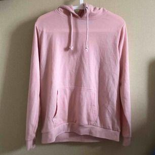 Rosa hoodie från BikBok. Säljs pga ingen användning. Priset kan diskuteras. Kan mötas upp i Stockholm eller swisha det går lika bra.