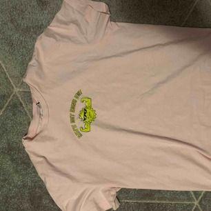 Cool oversized t-shirt från weekday!!! Möts upp i stockholm eller fraktar.