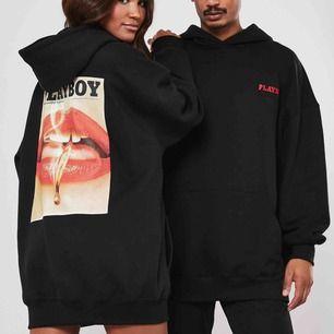 SÖKER!!!!!! Skriv om du säljer den här hoodien i storlek xs eller s