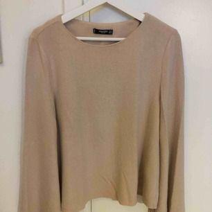 Fin rosa/beige tröja från mango, storlek M. Endast använd ett fåtal gånger.
