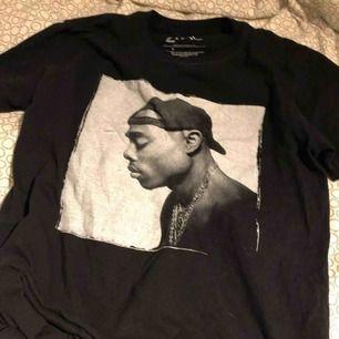 Tupac tröja från prettylittlething jätte fin ❤️