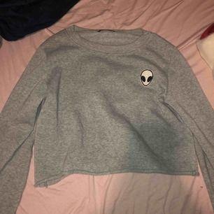 Ailien tröja! denna tröjan är väldigt tunn❤️