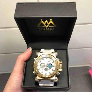 Helt ny och oanvänd Mansa Watch. Klocka med box för 400kr. Skickas med spårbar frakt för 63kr.