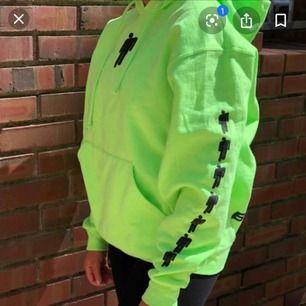 Cool Billie Eilish hoodie som inte finns att köpa längre, fint skick!🥰