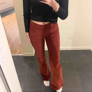 Manchester bootcut jeans från Pull & bear, använda 2 gånger💕💕köparen står för frakten