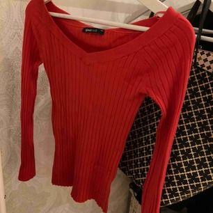 Tröja från Gina tricot! Använd en gång  +frakt
