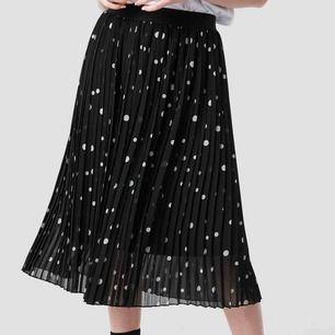 Aldrig använd kjol från NAKD, nypris 249kr mitt pris 150kr
