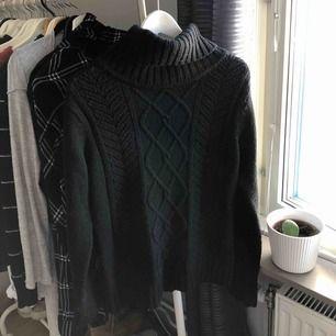 Superfin stickad tröja, köpt second hand:)