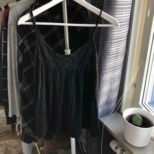 Snyggt linne, använt men i bra skick