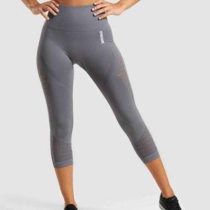 Säljer mina semless cropped leggings från gymshark, aldrig använda. Köpta för 550 kr