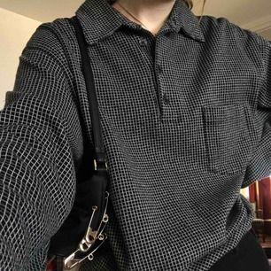 svartvit skjorta med rutor köp second hand 💕