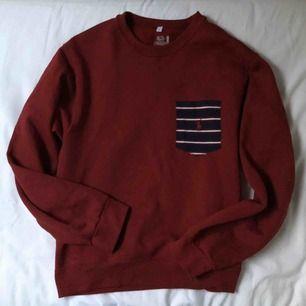 """Sweater från """"Ralp Lauren"""", köpt på Beyond Retro. Använd väldigt få gånger. Superbra skick! Betalning via swish, kan mötas upp i Stockholm alternativt frakta då köparen står för frakt."""
