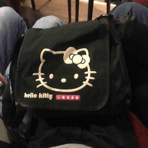 Skit cool emo väska