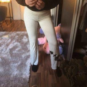 Säljer dessa mysbyxor från Gina tricot då dom inte kommer till användning längre!!