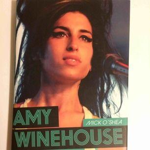 Säljes pga dubblett :) mkt intressant bok om Amy o hennes liv. Priset är inkl frakt.