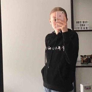 jätteskön hoodie för alla friends-fans <3 har börjat noppra lite men inget som märks <3