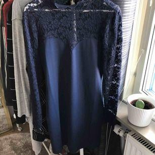 Superfin klänning från bubbleroom, endast testad, nyskick!!