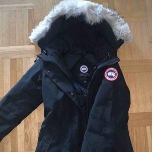 Canada Goose jacka i fint skick (använd 1 vinter)
