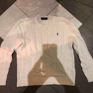 Ralph-lauren tröja, ÄKTA! Köparen står för frakten som inte är inräknad i priset