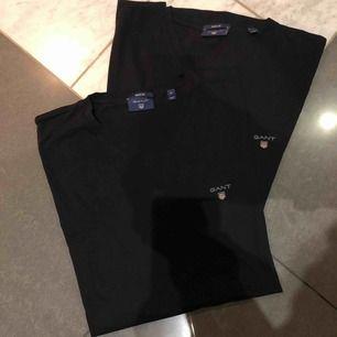 Marinblå, Äkta!! 2st för 400kr eller 1 för 250kr. Köparen står för frakten som inte är inräknad i priset.