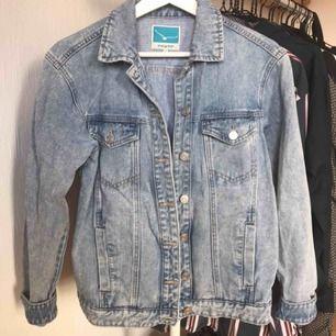 Säljer min gamla favorit jacka!!  Frakt 88kr