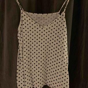 Säljer detta super söta linnet från bikbok