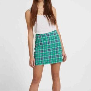En jätte söt rutig kjol! 💚📘📗 Stl 40 men passar också 38! Köpare står för frakt