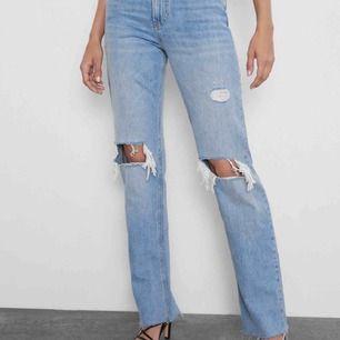 Intressekoll på dessa populära jeans från zara!💓kom med bud!
