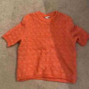 Jätte fin orange stickad T-shirt