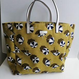 Gucci bag, excellent condition, size bag 31x27cm, 100% authentic