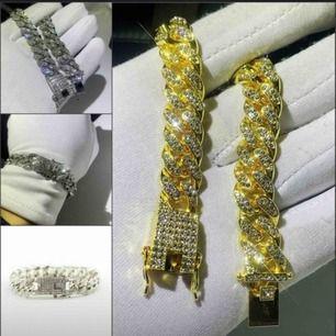 INTRESSEKOLL! säljer dessa snygga bracelet kedjor i både silver och i guld! 200 kr styck!!