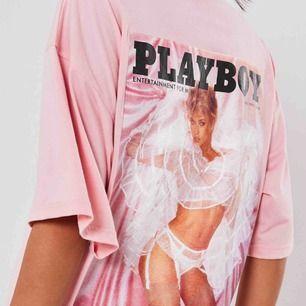Jättecool play boy t-shirt i storlek 36. Helt oanvänd då jag aldrig fick användning för den. Frakten ingår ❤️