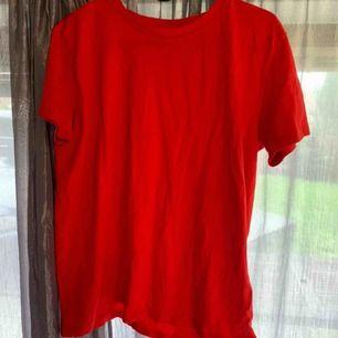 Röd orange T-shirt