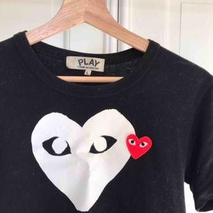 Tshirt från commes des garcons, krympte i tvätten men annars superbra kvalitet