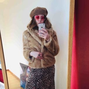 Almost new jacket looking for a foxy lady. Name ur price ;)