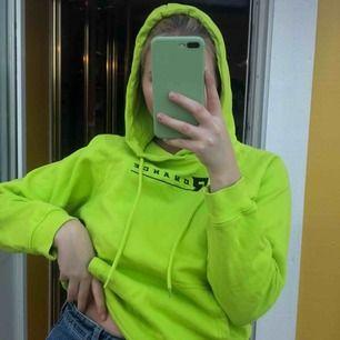 En snygg hoodie ifrån junkyard. 62 kr frakt.