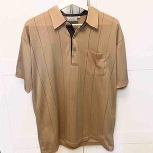 🤎🤎Säljer denna snygga skjorta då den tyvärr inte kommit till användning.  Köparen står för frakten.