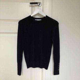 Jättefin tröja ifrån Zara, använd endast en gång så nästan helt ny:) köparen står för frakten