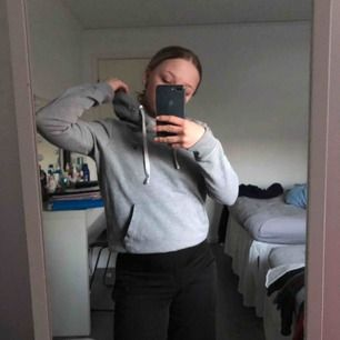 Fin hoodie från Gant i storlek XS, använder inte därför som jag säljer💓💓