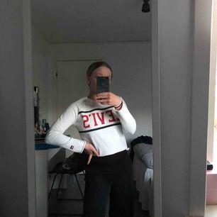 Fin tröja från Levis i storlek xs som inte används längre💓