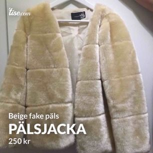 En beige päls jacka i fint skick knappt använd!