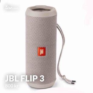 En utmärkt högtalare man kan ha med sig överallt! Stark volym och bra bas! Säljer då jag köpt en ny!