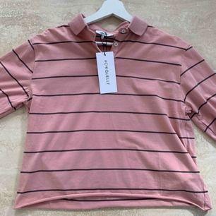 Oanvänd snygg tröja från chiquelle. Säljs pgr för liten