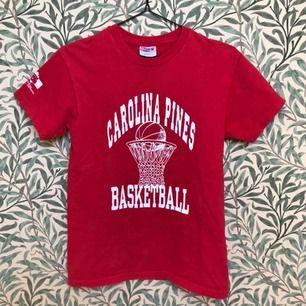 Vintage T-shirt inköpt i secondhandbutik i Barcelona jättefint skick
