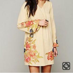 Superfin klänning från Free People. Strl S/M. Helt oanvänd. Ord pris 1495:- Nu 300. Fri frakt.